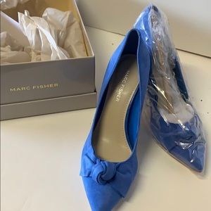 Marc Fisher blue suede mfDoreny pump with bow